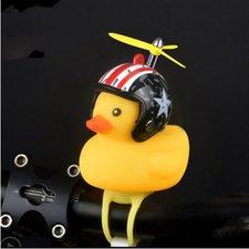 Badeend met zwarte helm met ster fietslamp/toeter (met propeller)