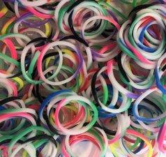 300 Loombands rainbow
