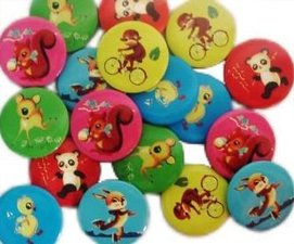 Retro Button rood panda met bamboe